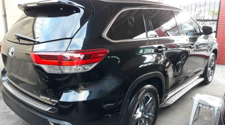 Super Clean Foreign Used 2018 Toyota Highlander LIMITED-3