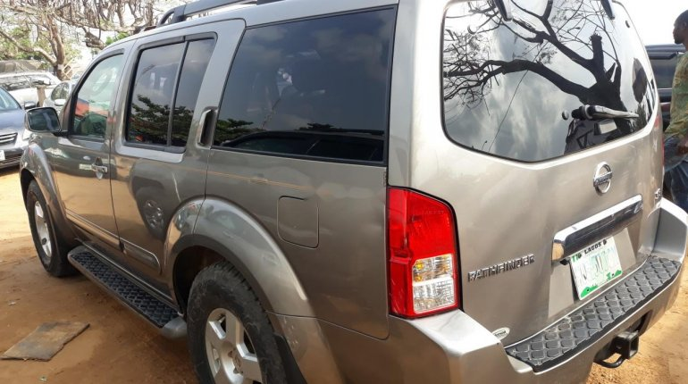 Nigeria Used Nissan Pathfinder 2006 Model Gray-7