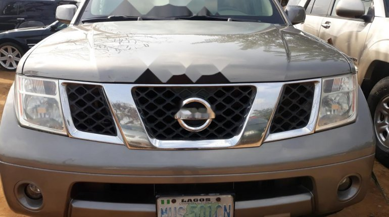 Nigeria Used Nissan Pathfinder 2006 Model Gray-4
