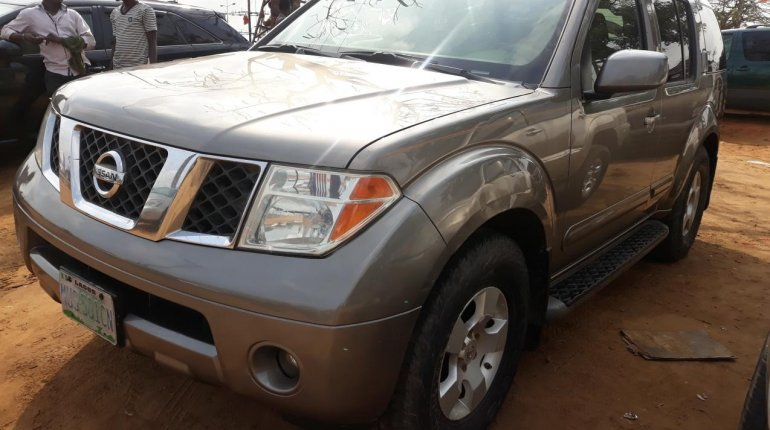 Nigeria Used Nissan Pathfinder 2006 Model Gray-5