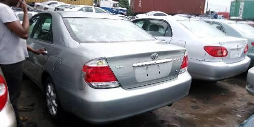 Foreign Used 2006 Silver Toyota Camry for sale in Lagos. -3