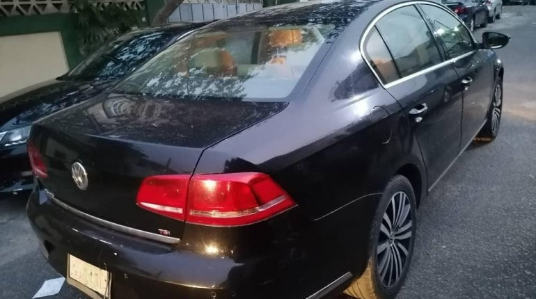 Nigeria Used Volkswagen Passat 2015 Model Black -2