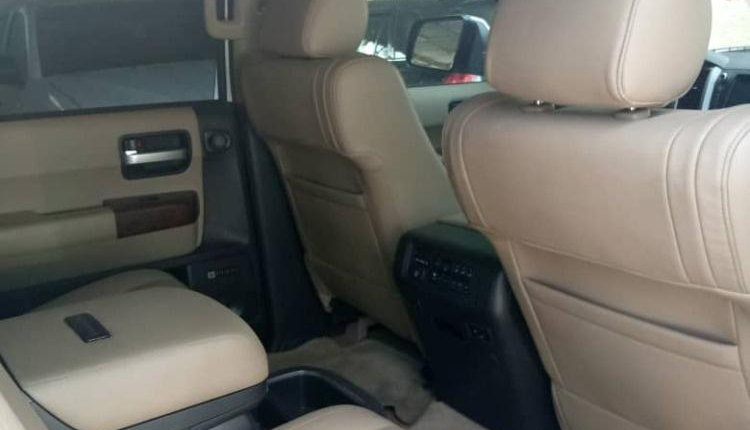 Foreign Used Toyota Sequoia 2010 Model White -2