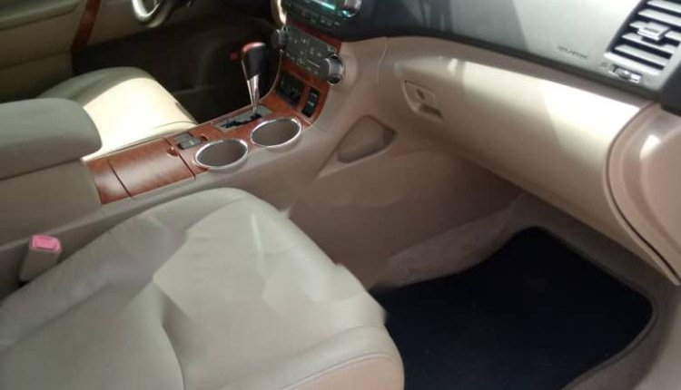 Foreign Used Toyota Sequoia 2010 Model White -10