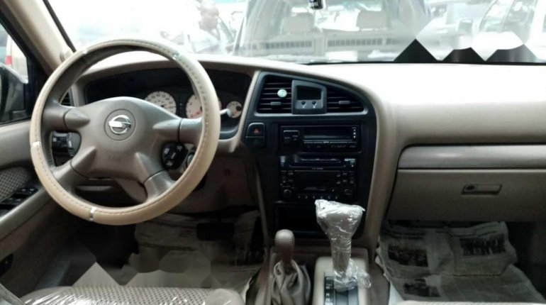Clean Tokunbo 2003 Nissan Pathfinder for sale-4