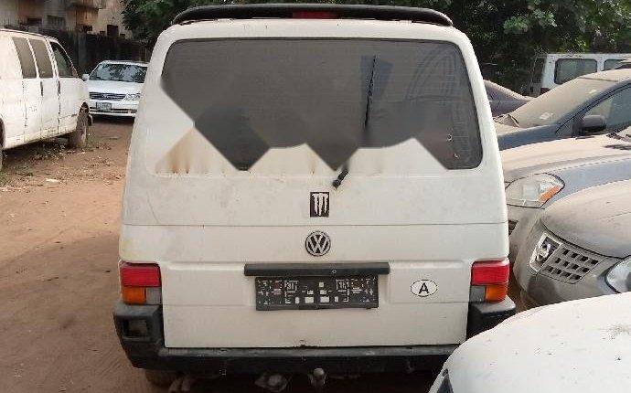 Super Clean Tokunbo Volkswagen Transporter 2000 ₦1,600,000 for sale-4