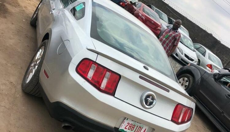 Foreign Used Ford Mustang 2012 Model Silver-2
