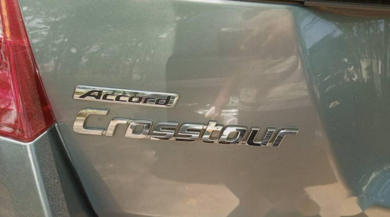 Foreign Used Honda Accord CrossTour 2010 Model Silver-10