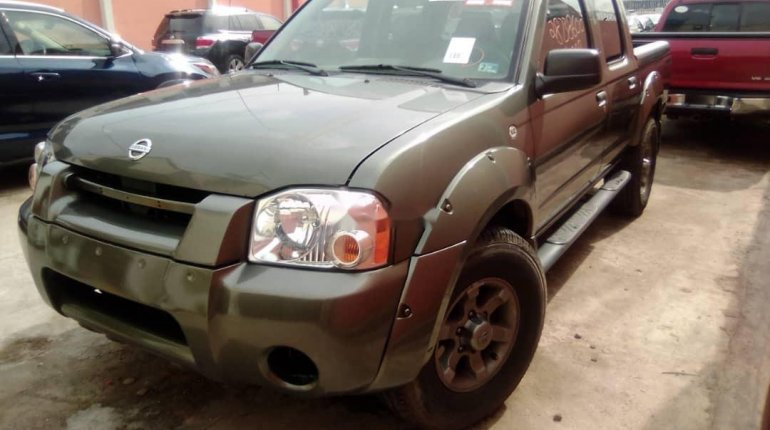 Foreign Used Nissan Frontier 2003 Model Green-0