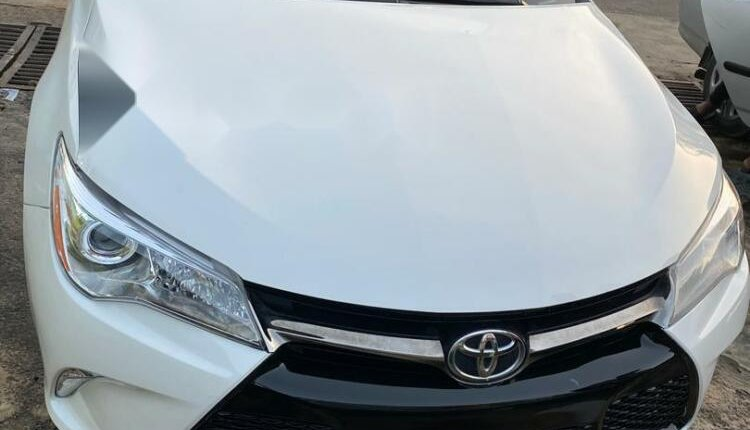 Foreign Used Toyota Camry 2015 Model White-0