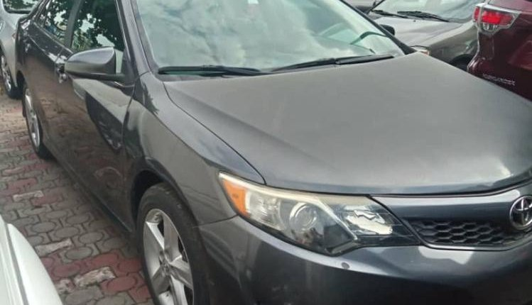 Foreign Used Toyota Camry 2014 Model Gray-1