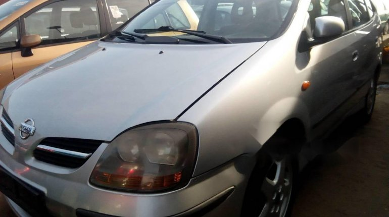 Foreign Used 2005 Silver Nissan Almera Tino for sale in Lagos. -1