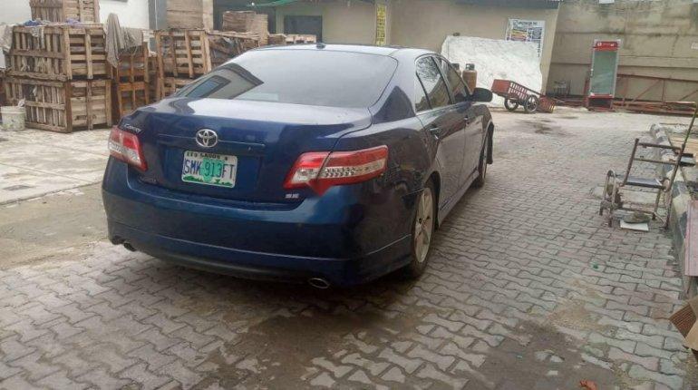 Nigeria Used Toyota Camry 2011 Model Blue -8