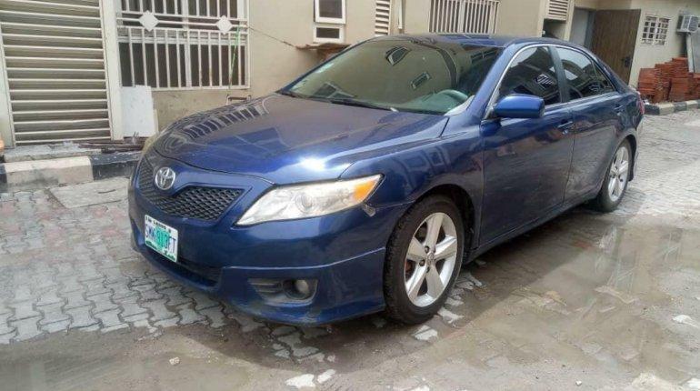 Nigeria Used Toyota Camry 2011 Model Blue -0
