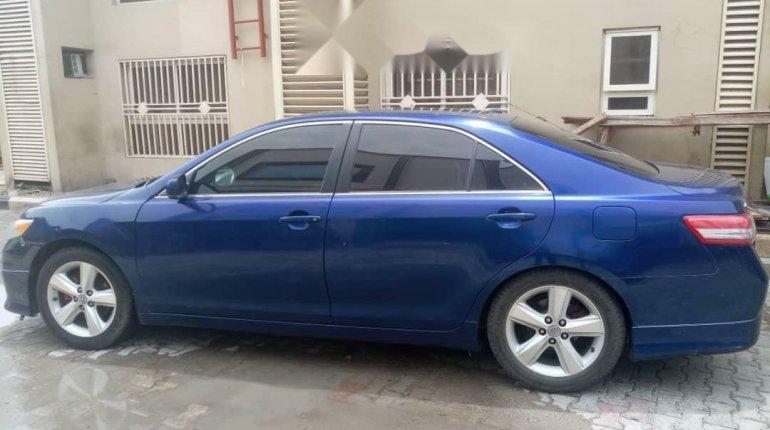 Nigeria Used Toyota Camry 2011 Model Blue -7