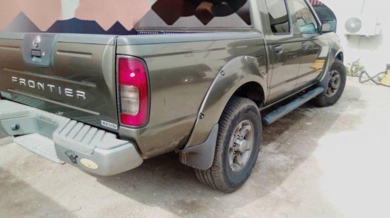 Foreign Used Nissan Frontier 2003 Model Green-2