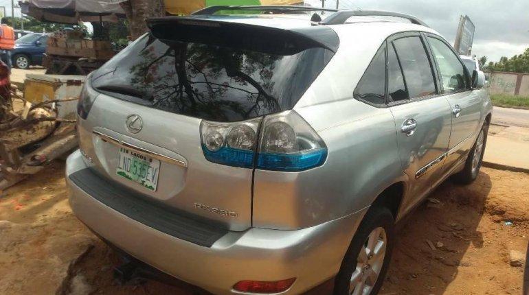 Nigeria Used Lexus RX 2005 Model Silver-2
