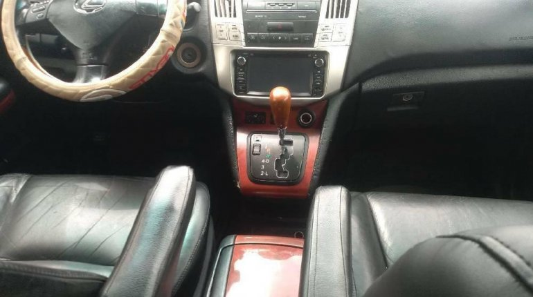 Nigeria Used Lexus RX 2005 Model Silver-6