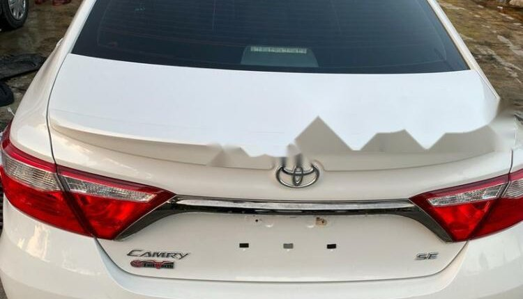 Foreign Used Toyota Camry 2015 Model White-7