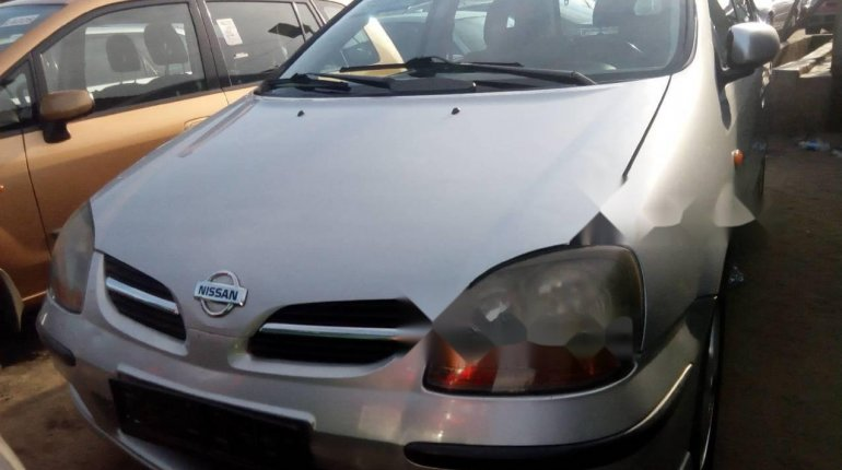 Foreign Used 2005 Silver Nissan Almera Tino for sale in Lagos. -0