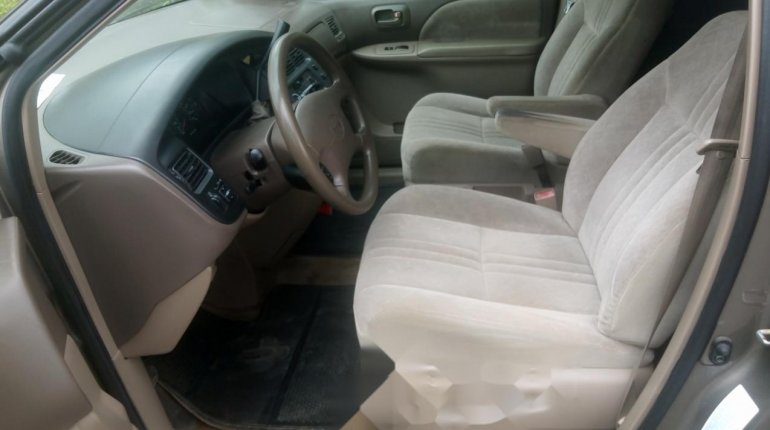 Foreign Used Toyota Sienna 2000 Model Gray-4