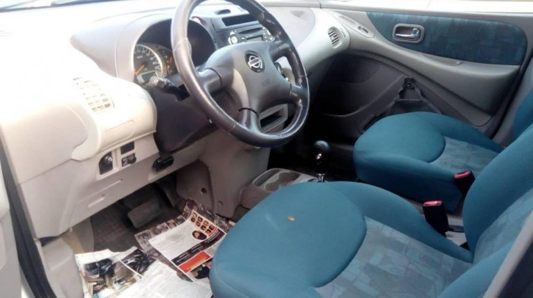 Foreign Used 2005 Silver Nissan Almera Tino for sale in Lagos. -2