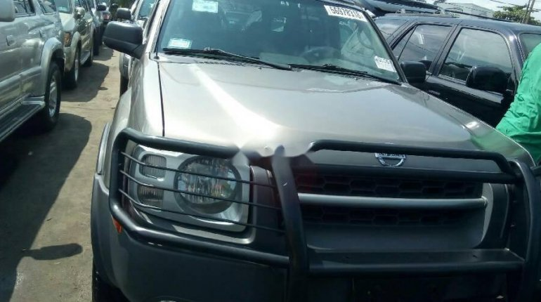 Very Clean Foreign Used Grey Nissan Xterra 2004 Model for sale in Lagos. -5