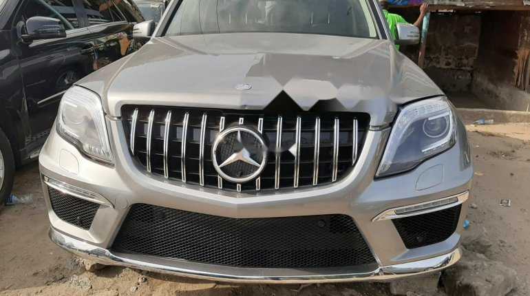 Foreign Used 2013 Grey Mercedes-Benz GLK for sale in Lagos. -0