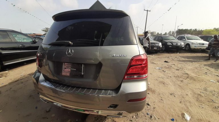 Foreign Used 2013 Grey Mercedes-Benz GLK for sale in Lagos. -1