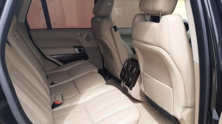 Foreign Used 2015 Black Land Rover Range Rover Vogue for sale in Lagos-4