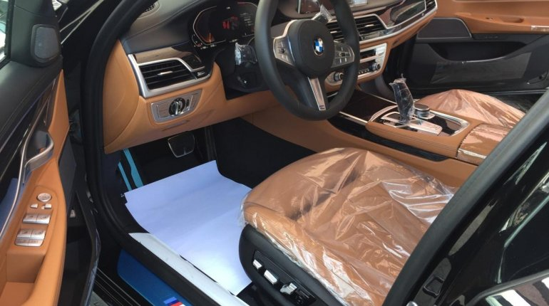 Brand New 2020 Black BMW 7 Series for sale in Lagos. -3