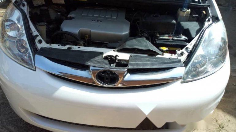 Tokunbo 2008 Toyota Sienna XLE Limited Full Option-2