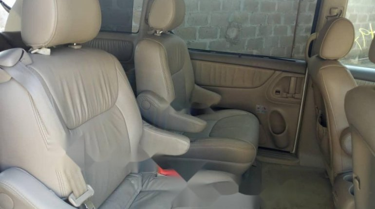 Tokunbo 2008 Toyota Sienna XLE Limited Full Option-9