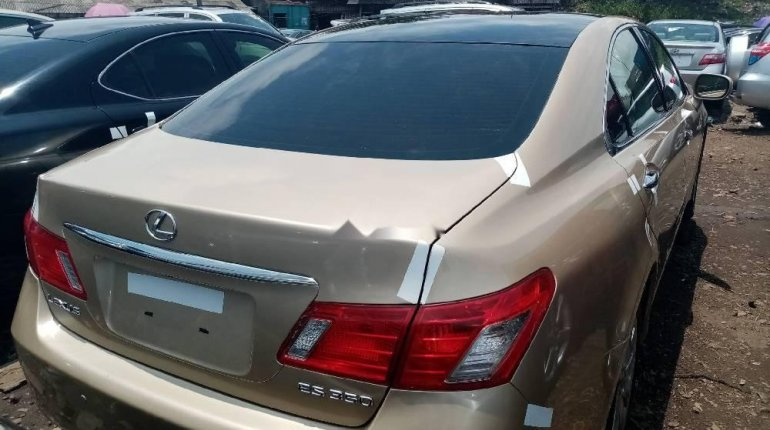 Foreign Used 2008 Gold Lexus ES for sale in Lagos. -3