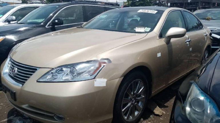 Foreign Used 2008 Gold Lexus ES for sale in Lagos. -6