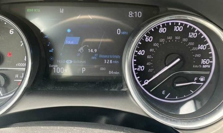 Toyota Camry 2018-6