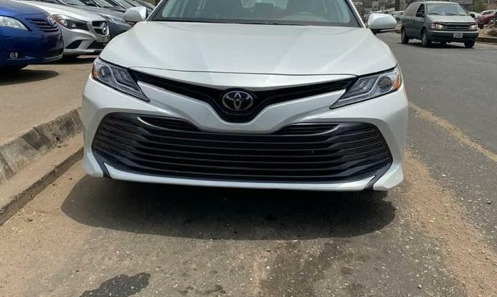 Toyota Camry 2018-0