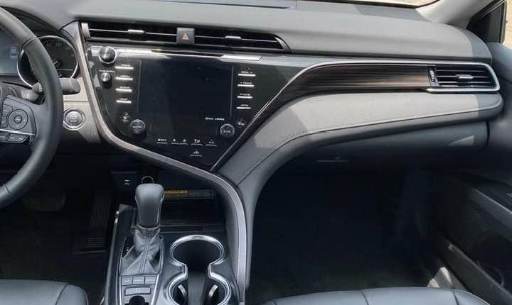 Toyota Camry 2018-10