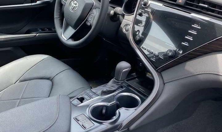 Toyota Camry 2018-5