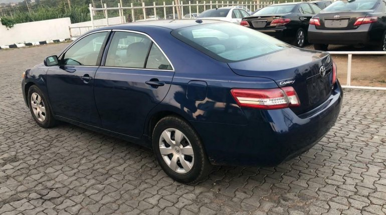 Toyota Camry 2011 ₦2,800,000 for sale-3