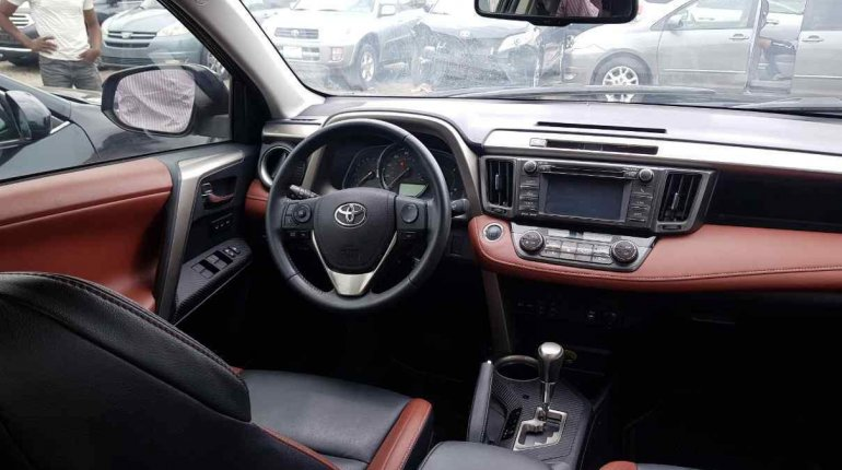 Toyota RAV4 2014-1