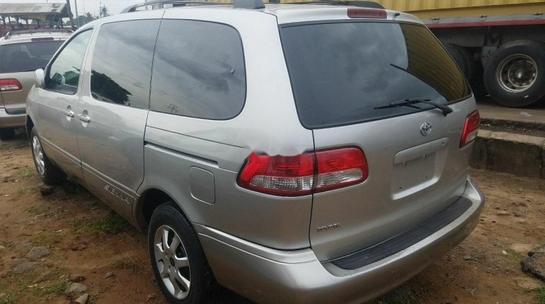 2002 Toyota Sienna for sale-5