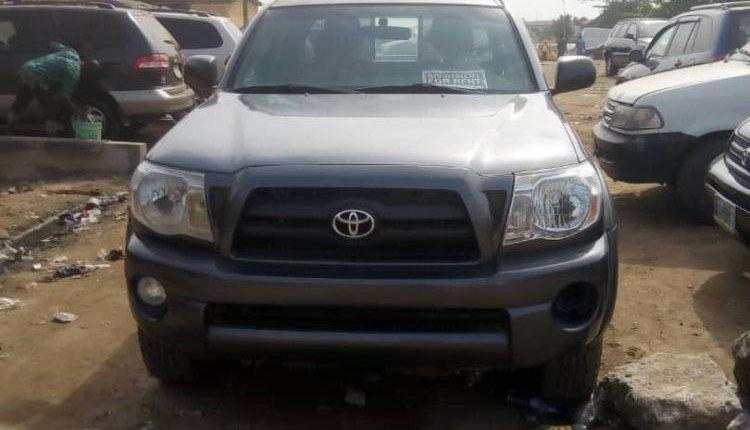 Toyota Tacoma 2010 ₦4,500,000 for sale-5