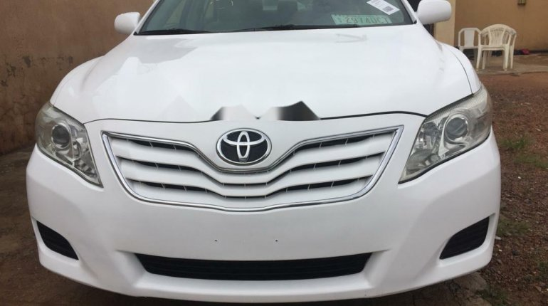 Well maintained 2010 Toyota Camry for sale at price ₦2,700,000-8
