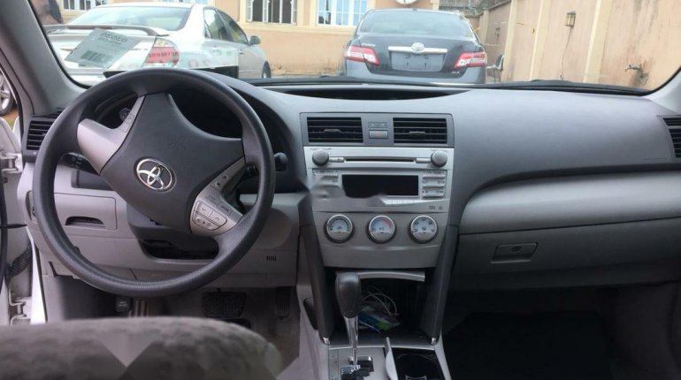 Well maintained 2010 Toyota Camry for sale at price ₦2,700,000-5