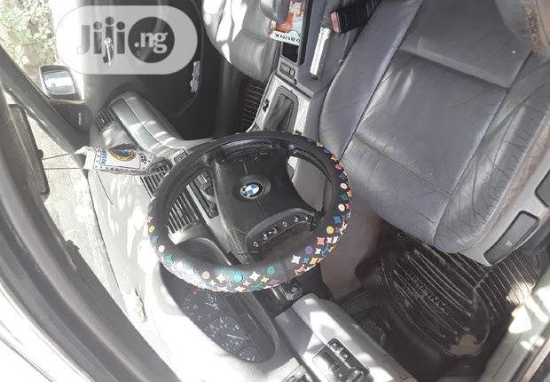 BMW 320i 2003-1
