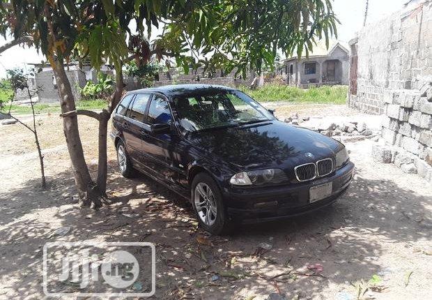 BMW 320i 2003-5