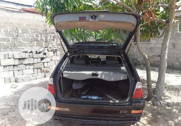 BMW 320i 2003-4