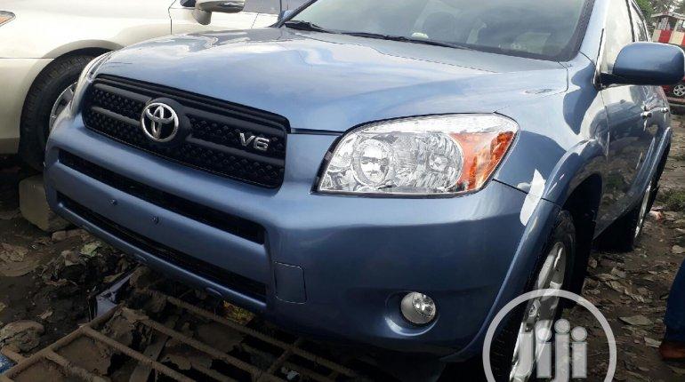Toyota RAV4 2007-8