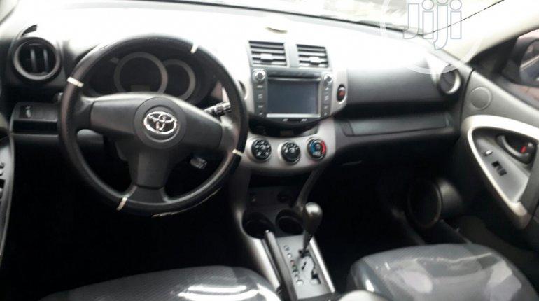 Toyota RAV4 2007-7